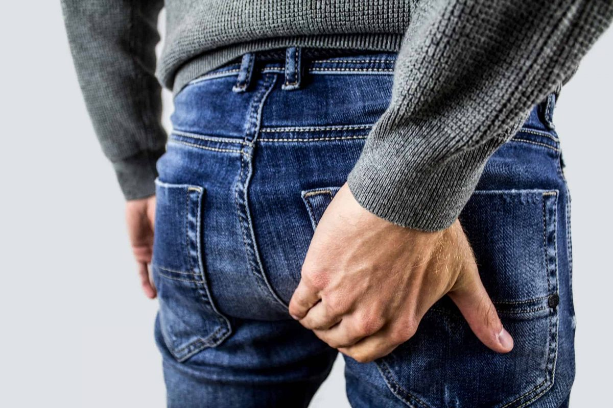 Hemorrhoids vs hernia